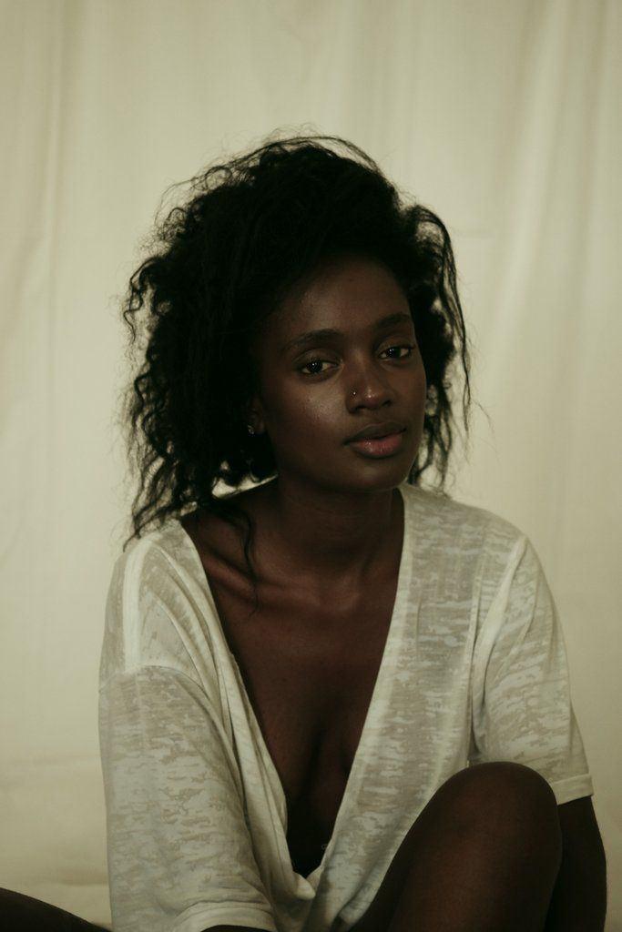Dark skinned nude indian women pics