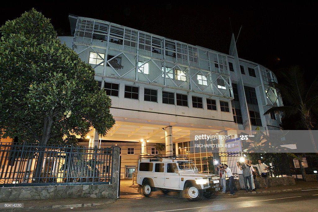 Sweeper reccomend Escort in Comoros