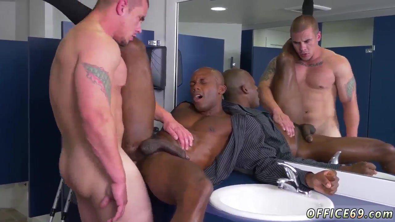 Black girl fucking fingering her pussy